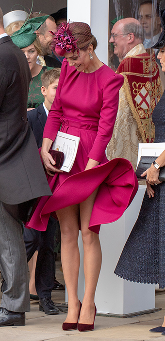 kate dress blew up in wind
