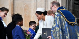 meghan markle flowers commonwealth a