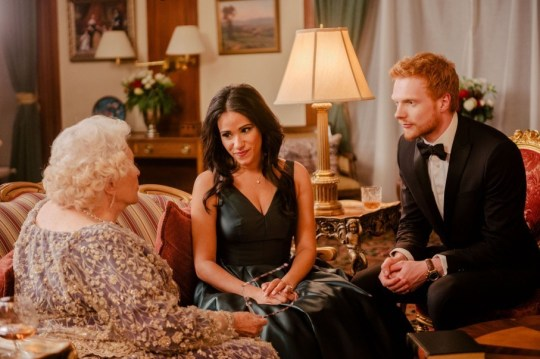 Meghan and Prince Harry' talk with the 'Queen' in another snap Picture Lifetime