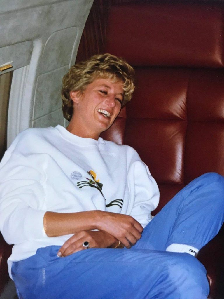 Diana shone in this stunning unseen picture Image Twitter @MoncktonR