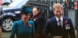 Kate Middleton and Prince Harry join forces to commemorate Anzac Day LIVE UPDATES Photo (C) GETTY IMAGES