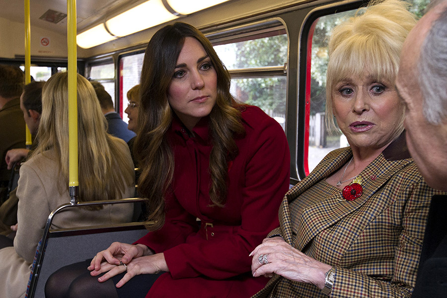 The Duchess of Cambridge on a bus Photo C GETTY IMAGES