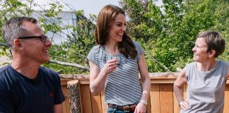 Kate Middleton nails off duty style in jeans and a tee for a visit to the Chelsea Flower Show