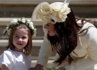 cropped PRINCESS CHARLOTTE WITH HER MOTHER THE DUCHESS OF CAMBRIDGE