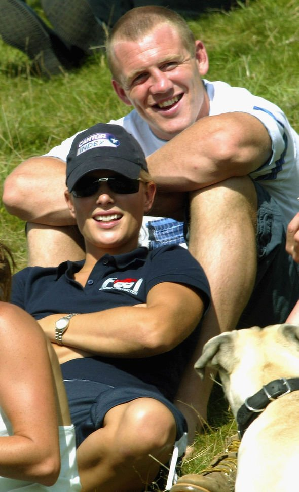 Kate Middleton body language Zara Philips and Mike Tindall at Gatcombe Horse Trials in August Image CARL DE SOUZA GETTY