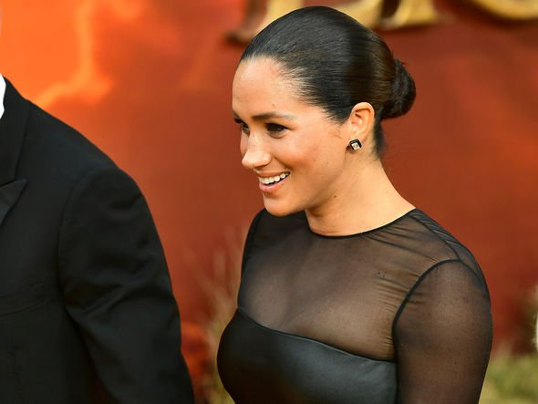 Meghan Markle Sports A New Hair Style Image Getty Dianalegacy Latest Update News Images Videos Of British Royal Family