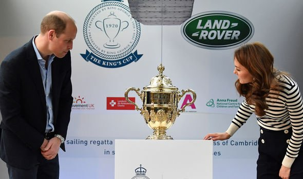 Kate and William unveiling the Kings Cup Image GETTY