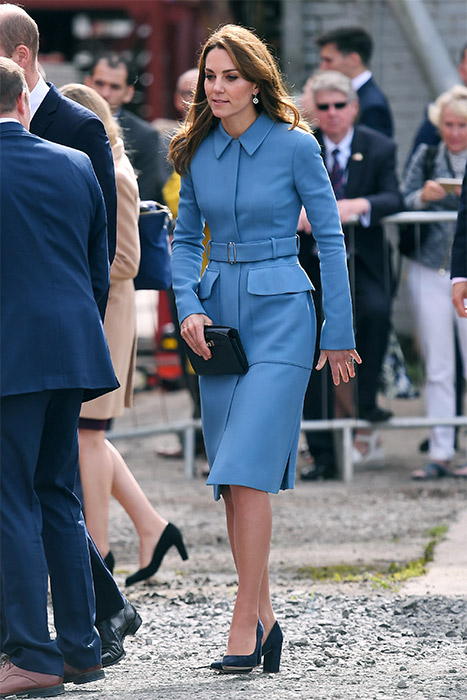 Kate Middletons new clutch bag comes in different colours Photo c GETTY IMAGES