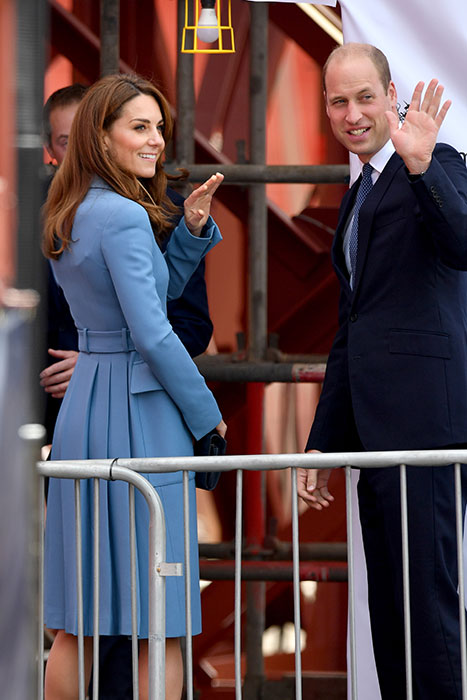 Prince William and Kate step onboard the ship Photo C GETTY IMAGES
