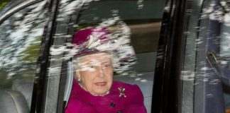 The Queen steps out to church at Balmoral with Prince Andrew and Prince Charles Photo C GETTY IMAGES