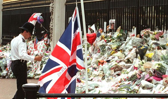Tributes to Princess Diana outside Buckingham Palace Image GETTY