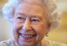 cropped Royal secret code How does the Queen secretly signal to her staff when shes bored Image GETTY