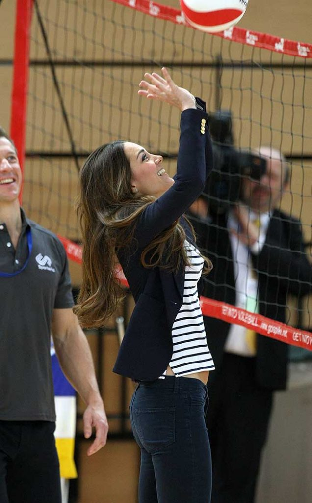 e playing volleyball in Photo C GETTY IMAGES