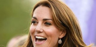 ROyal glee: Kate surprised shoppers in Sainsbury's