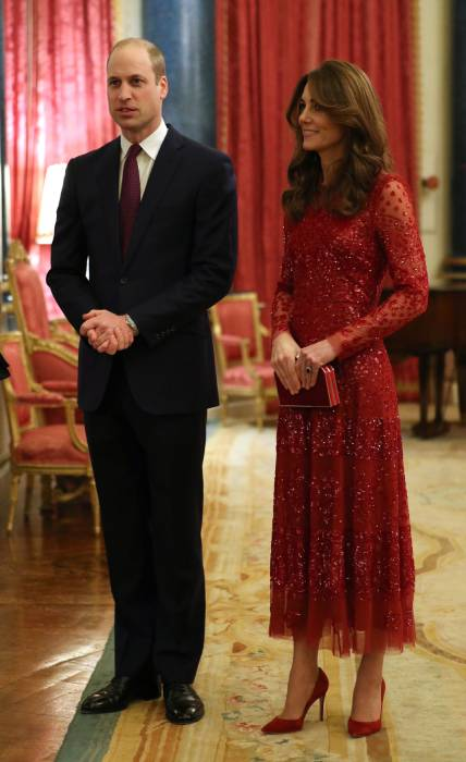 kate-middleton-outfit-buckingham-palace
