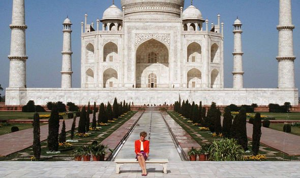 Diana alone at the Taj Mahal in 1992, a picture which appeared to reveal a struggling marriage