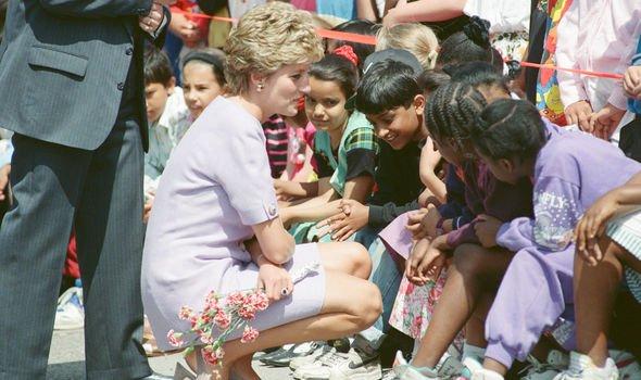 Princess Diana Hasnat Kahn romance royal family princess of wales news
