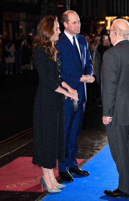 prince william kate middleton chatting in theatre