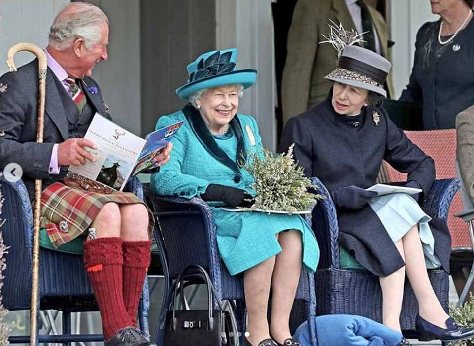 Prince Charles and Camilla also wishes the Queen birthday best wishes on their Clarence House social media channels this morning