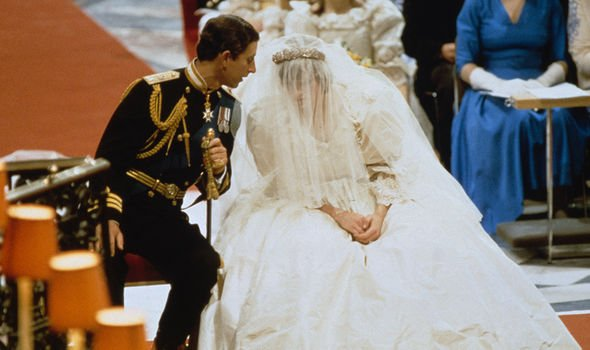 Charles allegedly sent Diana a note telling her to 'knock 'em dead' before the wedding