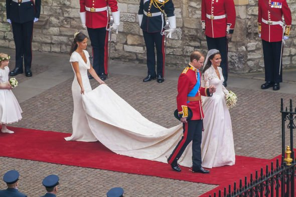 Kate Middleton weather: Pippa holding her sister's dress at her royal wedding in 2011