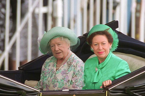 Queen Elizabeth Ii Heartbreak Queen Mother Princess Margaret Latest Dianalegacy Latest Update News Images Videos Of British Royal Family