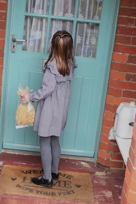 princess-charlotte-volunteering-pasta