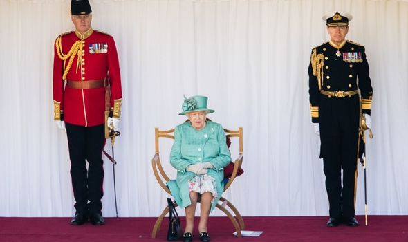 queen elizabeth ii news trooping the colour photos
