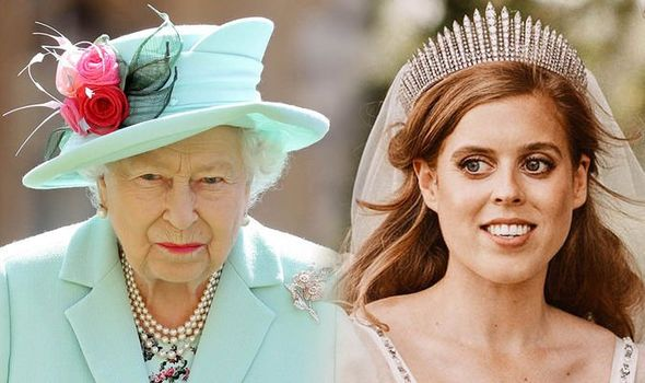 Princess Beatrice height: Beatrice and Queen