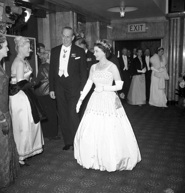 Princess Beatrice wedding: Queen dress