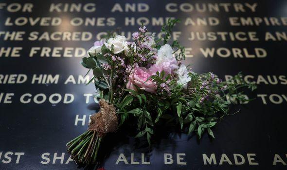 Princess Beatrice wedding: Beatrice bouquet on grave