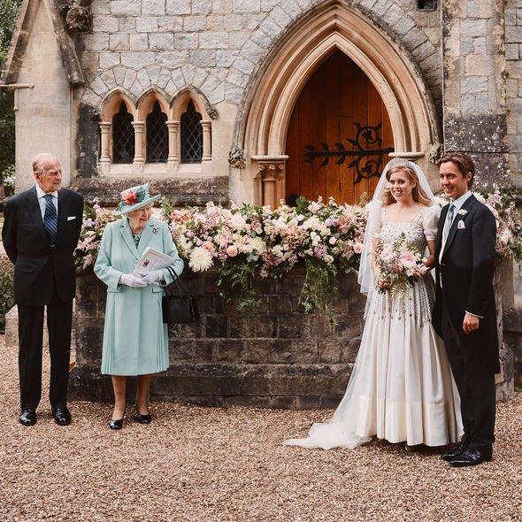 princess beatrice wedding dress queen loan vintage