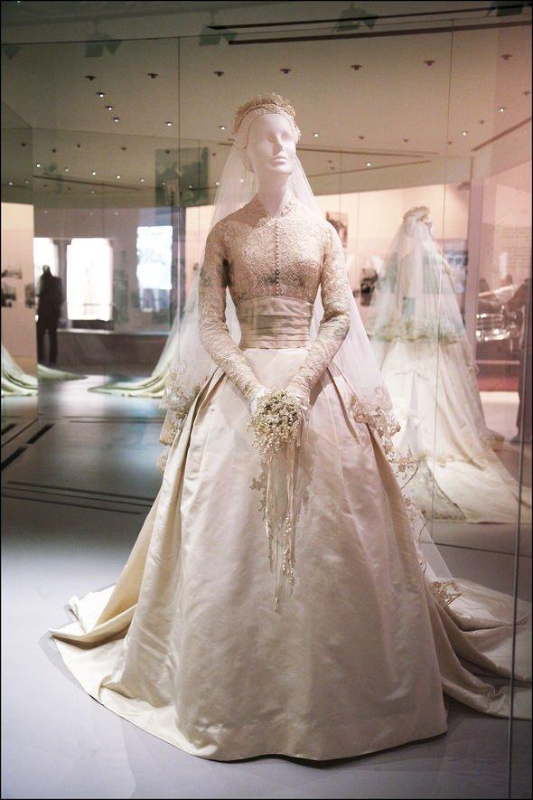 Grace Kelly: princess monaco wedding dress