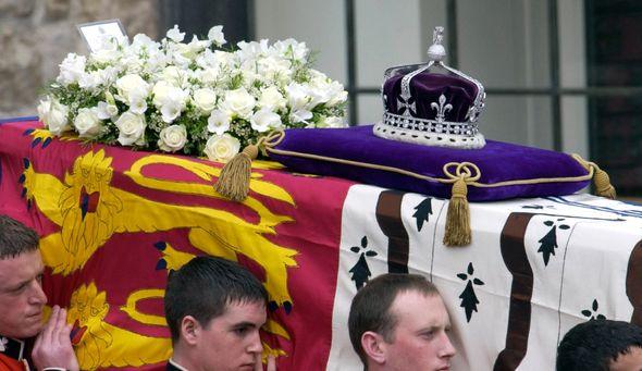 queen mother funeral koh i noor diamon crown