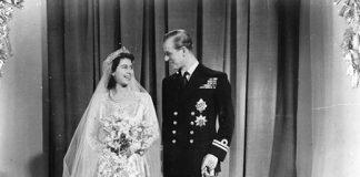 the queen wedding dress z