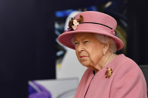 Royal clocks: Queen