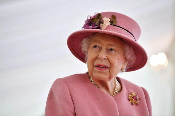 Royal clocks: Queen Elizabeth II