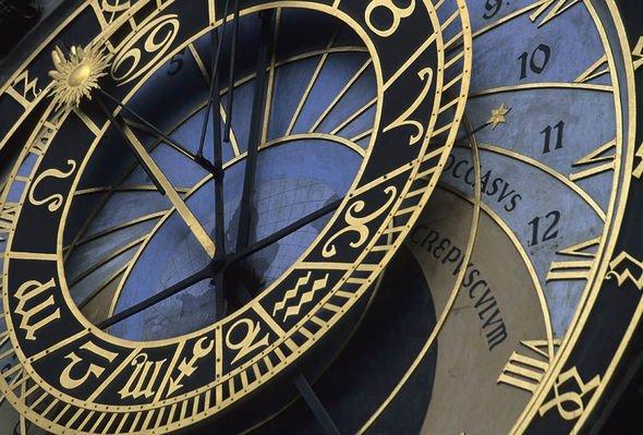 Royal clocks: Clock