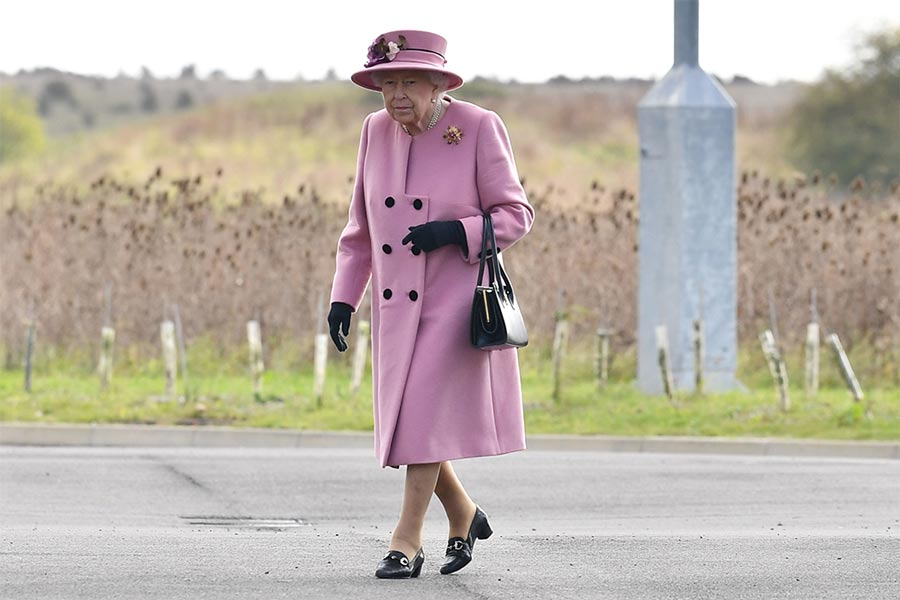 queen-outfit