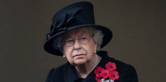 Queen Remembrance Sunday Cenotaph