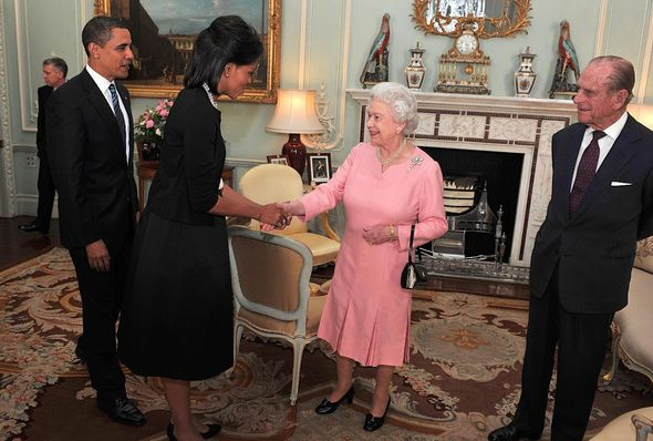 The Queen greets the Obamas