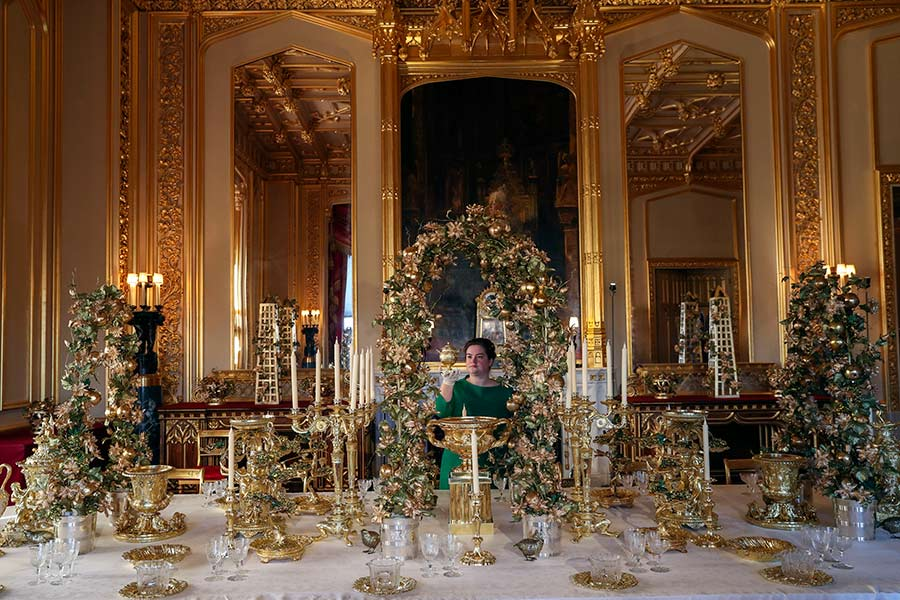 the queen home xmas decor z