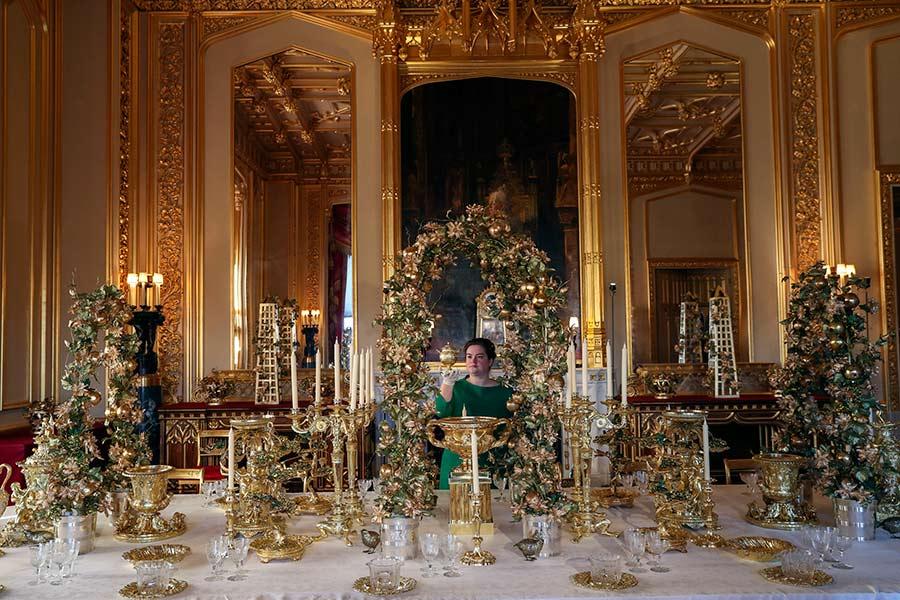 the queen home xmas decor z