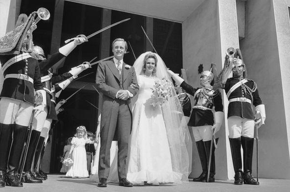 When did Camilla, Duchess of Cornwall divorce Andrew Parker Bowles? Camilla and Andrew Parker Bowles