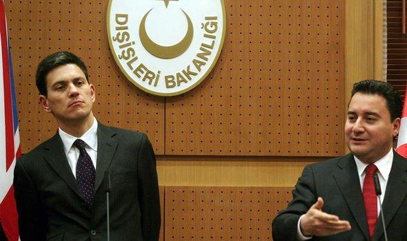 David Miliband (L) with Turkish counterpart, Ali Babacan