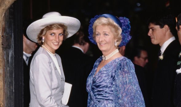 Diana and her mother Frances -- they were not on speaking terms by the time of Diana's death in 1997