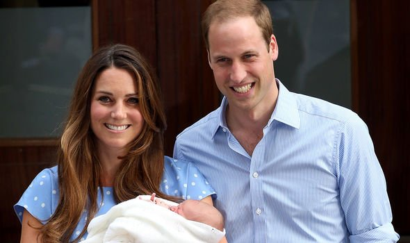 Kate Middleton copied Princess Anne's tradition and posed with her children on the steps of the Lindo Wing