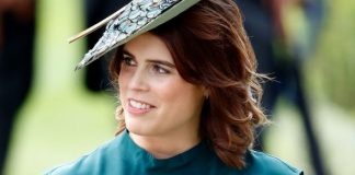 princess eugenie royal wedding dress scoliosis