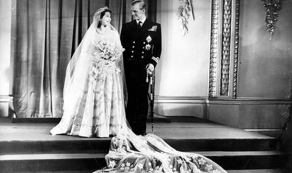 The Queen's dress symbolised rebirth after conflict