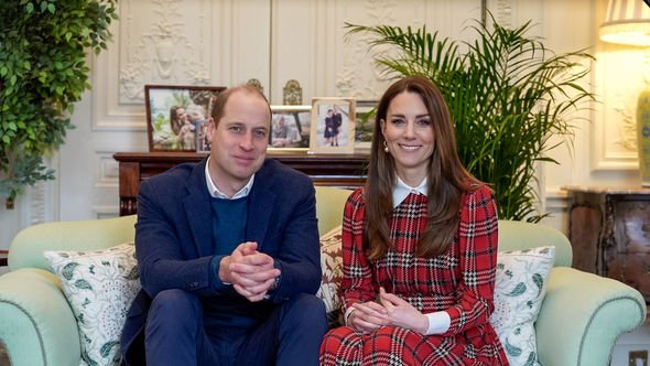 kate and prince william speaking to scottish NHS workers